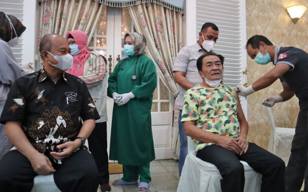 Bupati Banjarnegara Punya Riwayat Jantung Coroner, Tapi Tetap Jalani Vaksin Covid-19