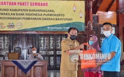 Bantuan 1870 Paket Sembako Program BUMD dan BI Peduli kepada masyarakat Banjarnegara